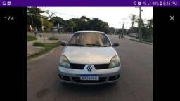 Renault Clio sedan com GNV