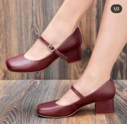 Sapato no couro legítimo