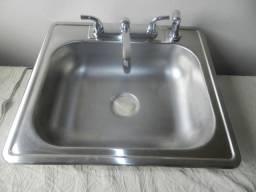 Bojos com torneira, saída agua fria e quente, em inox novo apenas R$599.00 importado usa