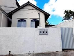 Alugo Casa com 2 Quartos no Centro de São Mateus