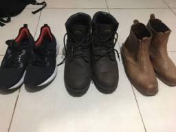 Vendo 2 pares de bota e 1 par de tênis corrida 250 pra levar tudo