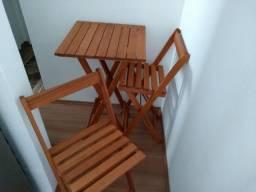 Conjunto de mesa e cadeiras de madeira - dobravel - Idea Store