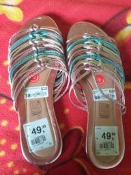 Sandália  de 49,99 por 35,00 reais