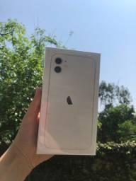 Título do anúncio: iPhone 11 branco 64gb lacrado