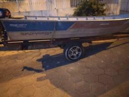 Vendo barco de aluminio com reboque rodoviário e motor de popa mercury 15hp