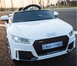 Carrinho Elétrico Branco com controle Audi Tt Rs 2.4ghz 12v Bel Brink<br><br>