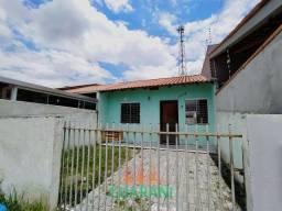 Casa com sobra de terreno em Paranagua