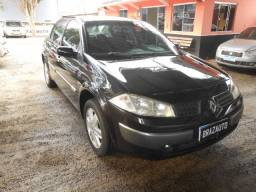 Renault Megane Sedan Dynamiqe 2.0 16v 4P