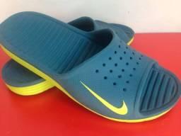 Venda-se chinelo/sandália da Nike