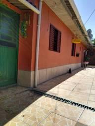 Alugo casa c/ 1 quarto p/ uma pessoa ou casal na Vila Jardim