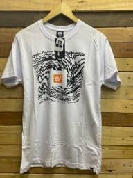 Camiseta básica R$ 28.00 cada, à vista