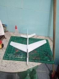 Título do anúncio: Aeromodelo vôo livre .