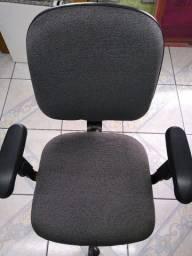 Cadeira escritório muito conservada