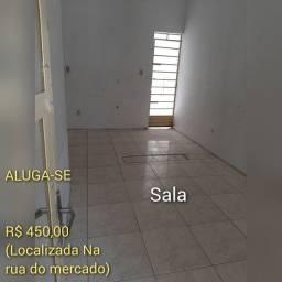 ALUGA-SE LOCALIZADA NO BAIRRO DO MERCADO