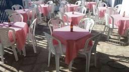 Locação de mesas e cadeiras *