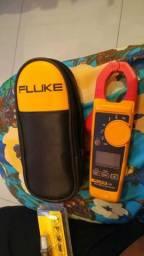Alicate Amperímetro e Voltímetro Fluke