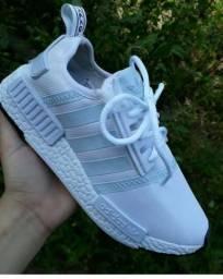 Sapatos Adidas novo na caixa