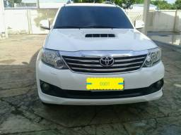 Hilux SW4 3.0 7 lugares - 2014