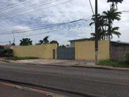Alugo galpão com escritório e área coberta Tapanã