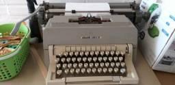 Máquina de escrever olivetti línea 98