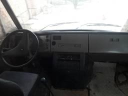 Vendo ou troco por carro um microonibus mercedes - 1992