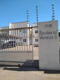 Apartamento no Condomínio Veneza 05 com 2 dormitórios para alugar por R$ 1.020/mês - Jardi