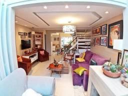 Sobrado Triplex com 04 dormitórios, churrasqueira interna, Pilarzinho - Curitiba