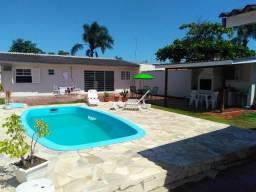 Alugo Casa com Piscina em Guaratuba para o Carnaval com capacidade para 16 pessoas