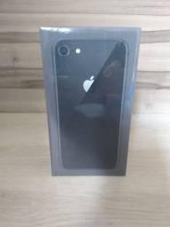 iPhone 8 64 lacrado com NF