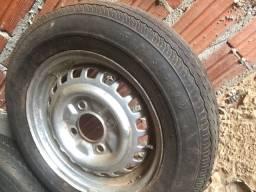 Todas de ferro com pneus fusca