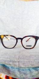 Armação de óculos da marca Evoke