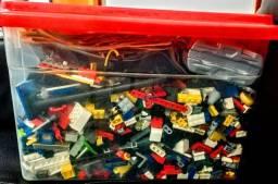 Caixa grande de peças de LEGO