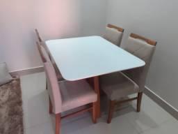 Mesa de jantar 4 LG pintura Laka e madeira