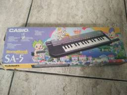Teclado Casio SA-5 songbank keyboard