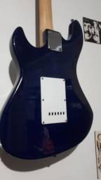 Guitarra Strato novinha!