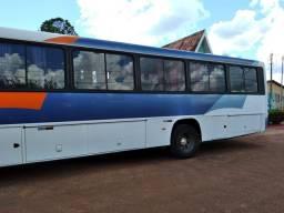 Ônibus rodoviário Comil Versatile 17-230