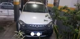 Fiat Strada 2015  3 portas