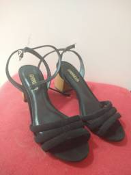 Sandália salto bloco nova