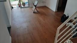 Instalação de pisos vínculo e carpetes de placas