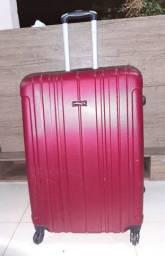Vendo mala de viagem grande.
