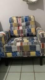 Vendo poltrona estilo sofá,colorida, perfeita.