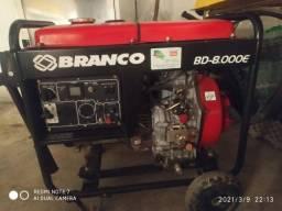 Gerador De Energia Branco BD-8.000E Diesel