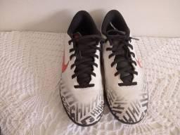 Título do anúncio: Chuteira Nike Tam 37