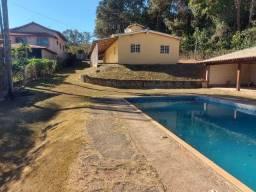 Título do anúncio: Casa em chácara de 2.500metros² com 03 quartos e piscina Mateus Leme