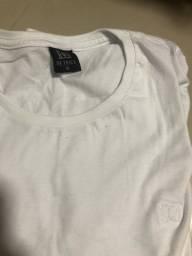 Camisa branca manga curta. G