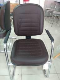 Cadeira Diretor Fixa Courino Marrom