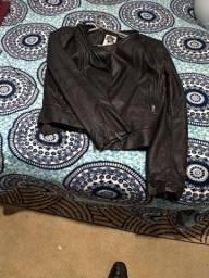 Jaqueta feminina em couro