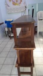 Conjunto de bancos de madeira