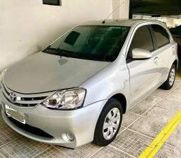Toyota Etios HB X 1.3 - 2014