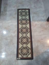 Tapete bordado de lã